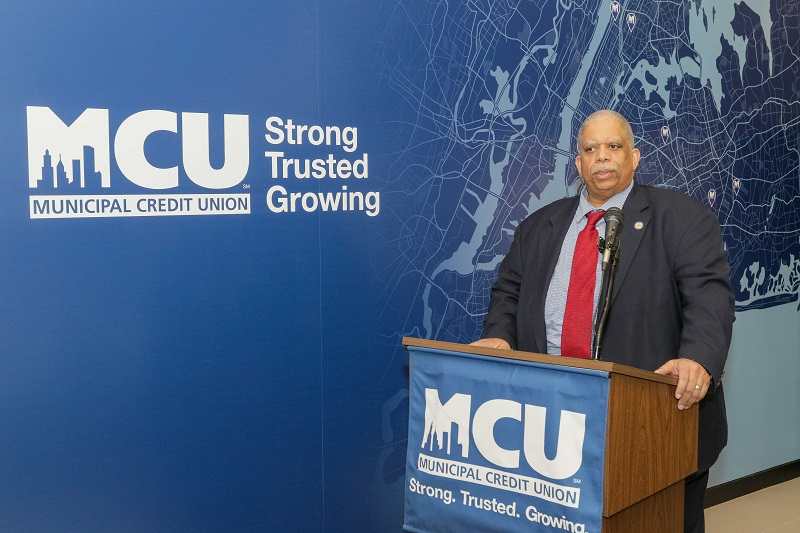 New York State Senator Leroy Comrie congratulates MCU on our newest branch location located in St. Albans, Queens at branch ribbon cutting ceremony on Tuesday, December 12, 2017.